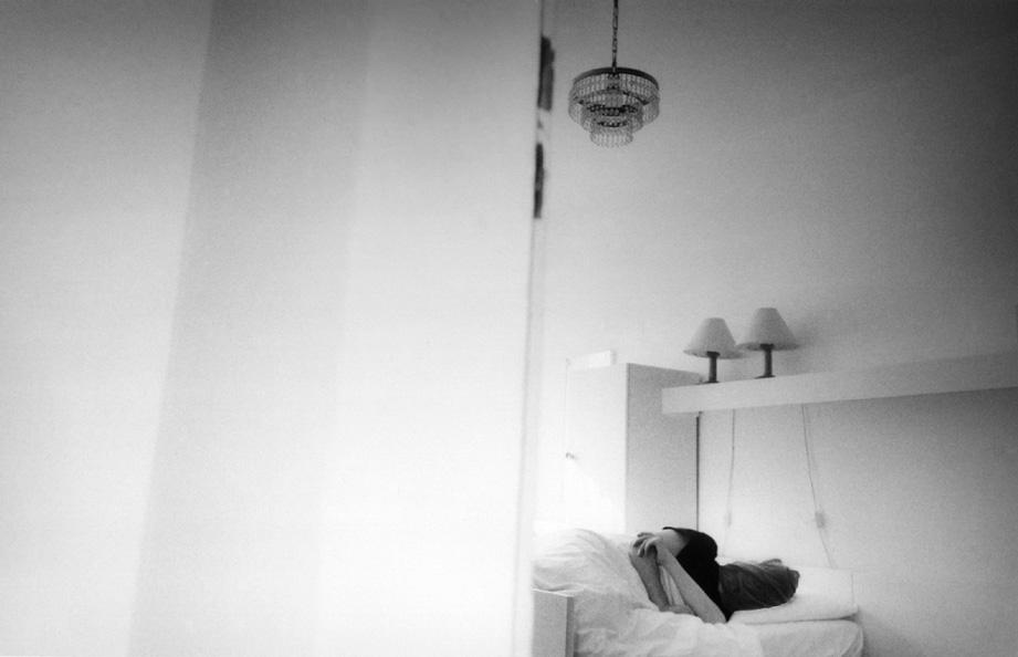 Neviditelný, 2000